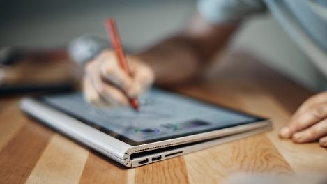Microsoft-Surface-Book-lifestyle
